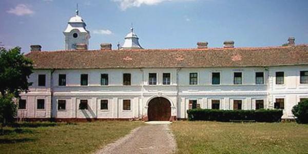 ARAD: Mănăstirea Bezdin