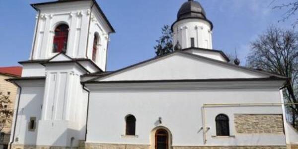 BOTOŞANI: Cea mai veche biserică armenească din Europa