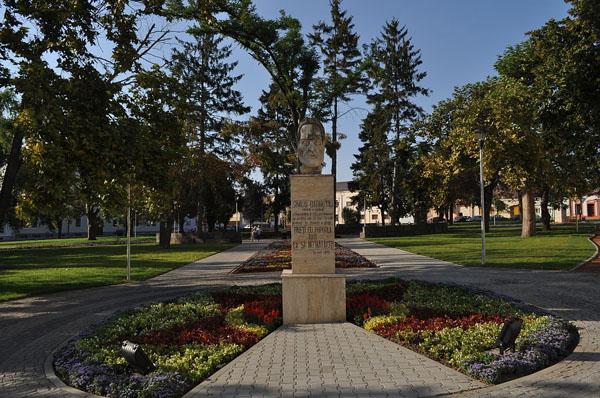 Bustul-Simion-Barnutiu