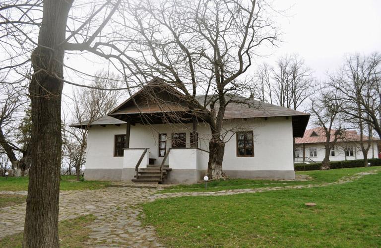 Casa-Eminescu-Ipotesti1