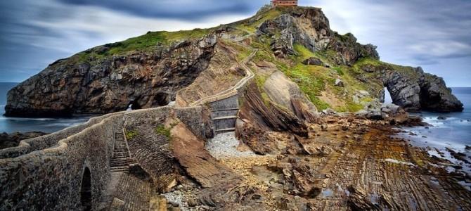 Feerica insulă Gaztelugatxe