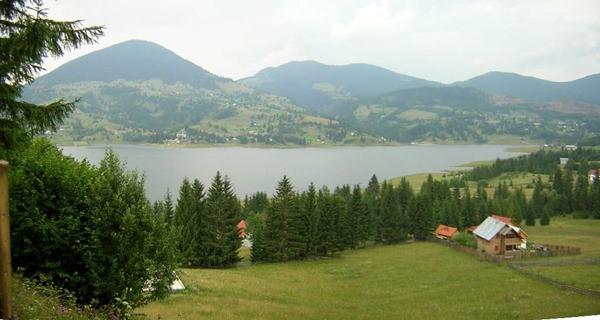 Lacul-Colibita1