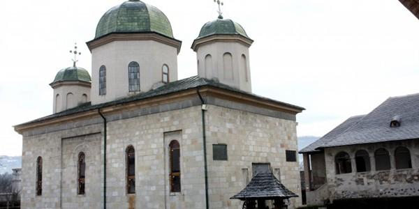ARGEŞ: Mănăstirea Negru Vodă din Câmpulung Muscel