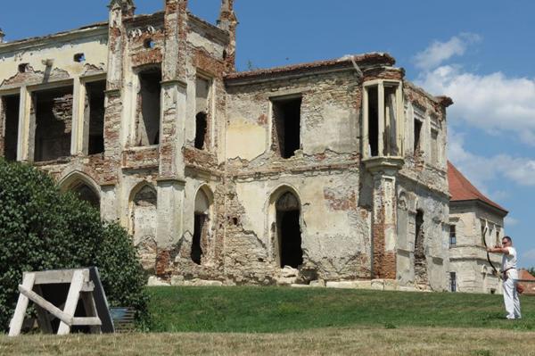 Castelul-Banffy2