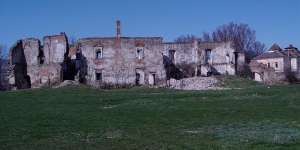Castelul Martinuzzi – o ruină încărcată de istorie