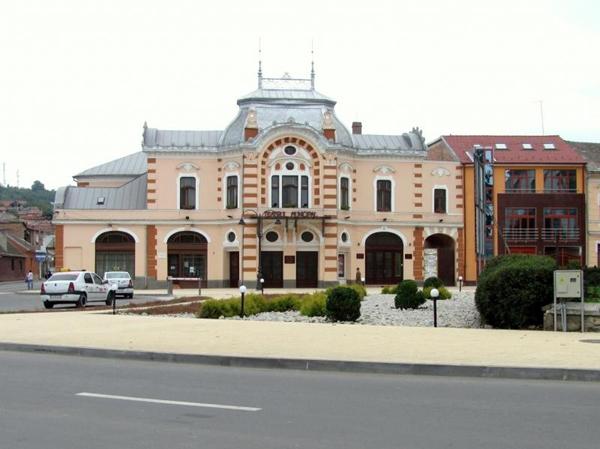 Teatrul-aureliu-Manea-Turda