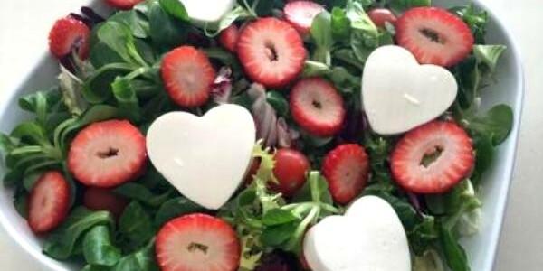 Ziua Îndrăgostiţilor: Cadouri originale şi ieftine, pregătite rapid în bucătăria proprie