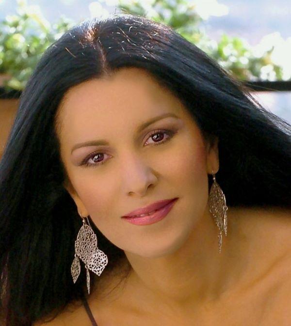 Angela Gheorghiu-10