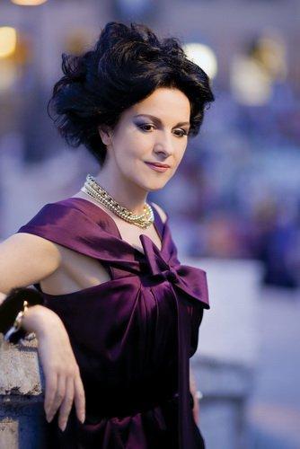 Angela Gheorghiu-11