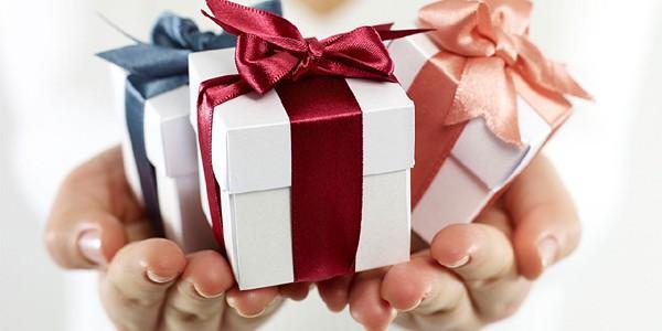 Cum alegem şi cum oferim un cadou