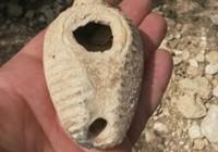 Un arici a descoperit o lampă veche de 1.400 de ani