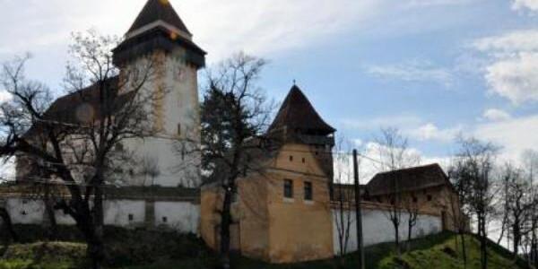 Biserica fortificată din Apold