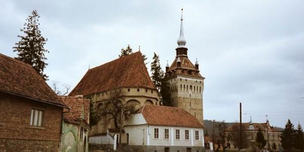 Biserica fortificată din Saschiz, prima biserică-reduit construită în faţa invaziei tătare