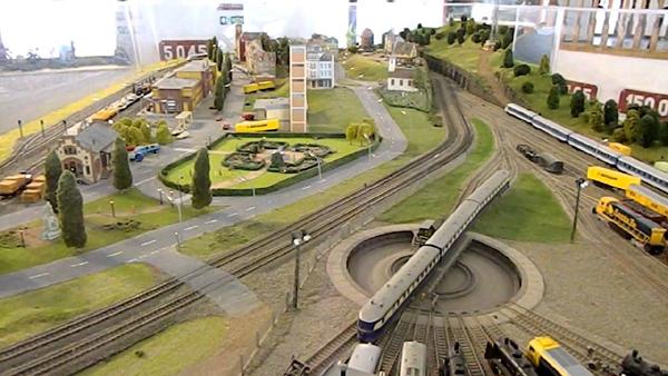 Muzeul-trenuletelor-Sinaia-01