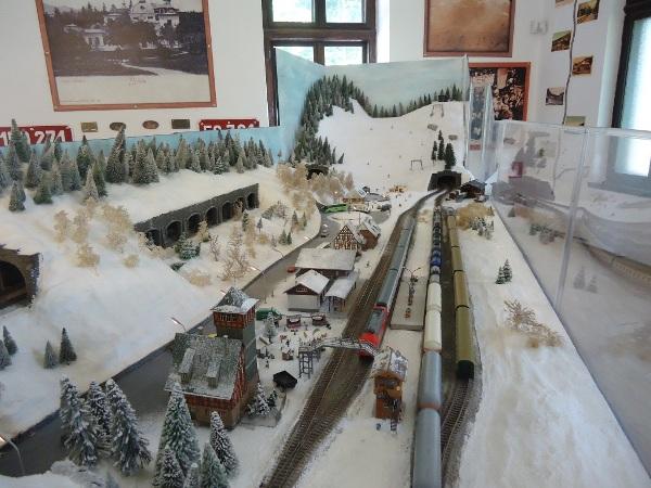 Muzeul-trenuletelor-Sinaia-04