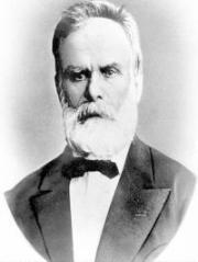 August Treboniu Laurian a reorganizat învăţământul din Moldova şi a introdus studiul obligatoriu al latinei