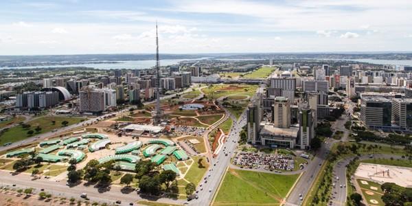 Rio de Janeiro este cel mai cunoscut oraş din această ţară, dar Brasilia este capitala