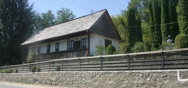 """Casa Memorială """"Liviu Rebreanu"""" de la Prislop"""