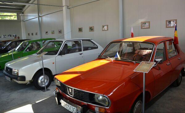 Muzeul masinilor Dacia-03