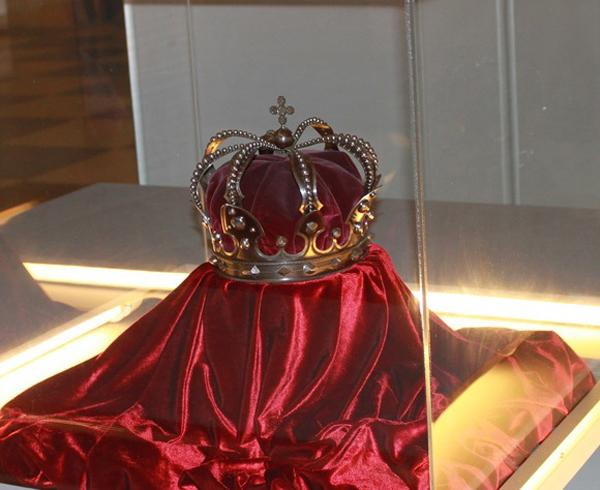 coroana-regala-Romania