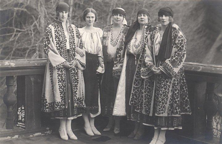 costum-traditional
