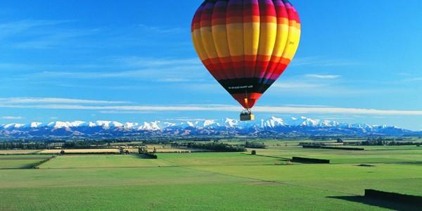 Ocol al Pământului într-un balon cu aer cald