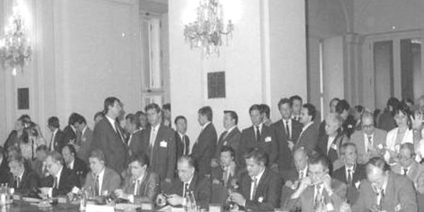 Tratatul de la Varşovia: 25 de ani de la semnarea actului de desfiinţare