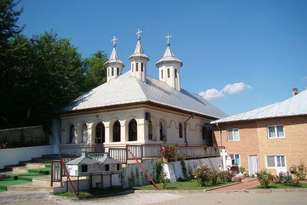 Manastirea Clocociov-02
