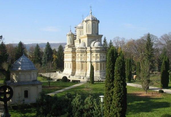 Manastirea Curtea de Arges-01