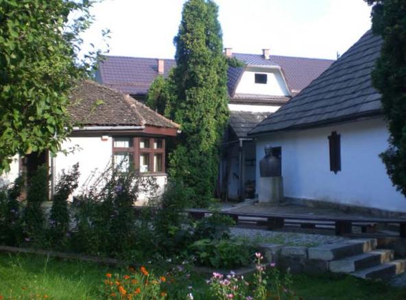 casa-memoriala-george-cosbuc-01