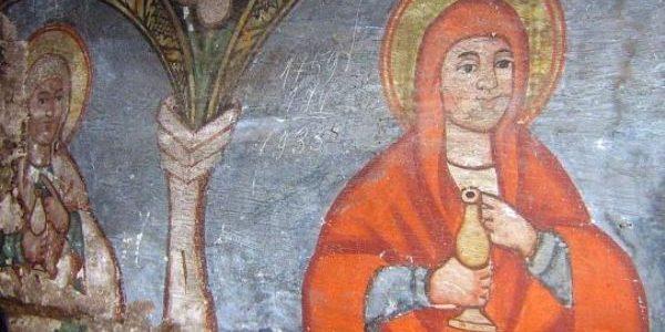 Biserica de lemn unde sfinţii pictaţi zâmbesc enoriaşilor