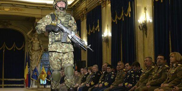 Noua uniformă combat a Armatei Române