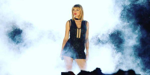 Taylor Swift, cea mai bine plătită cântăreaţă din ultimele 12 luni