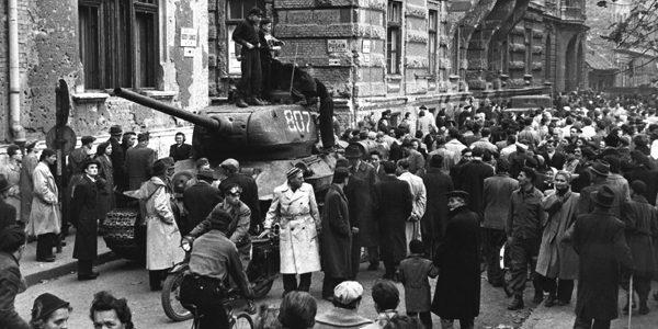 64 de ani de la invadarea Ungariei de către tancurile sovietice