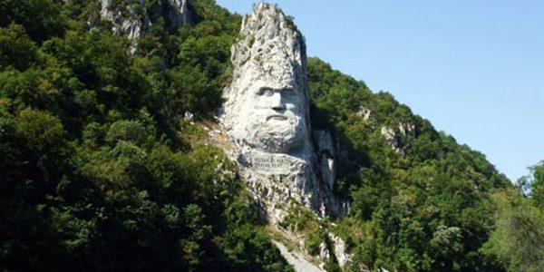 Chipul lui Decebal din Clisura Dunării va fi iluminat pe timpul nopţii