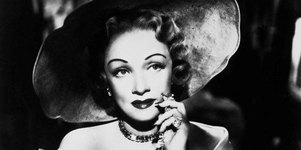 Marlene Dietrich – femeia fatală cu privirea filtrată, vocea voalată şi mişcări de felină