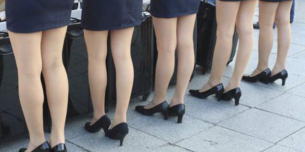 Obligarea angajatelor să poarte tocuri este ilegală